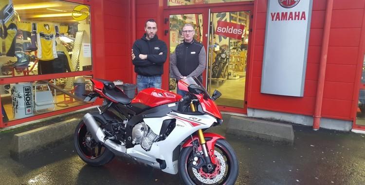 Nouvelle moto R1 2015